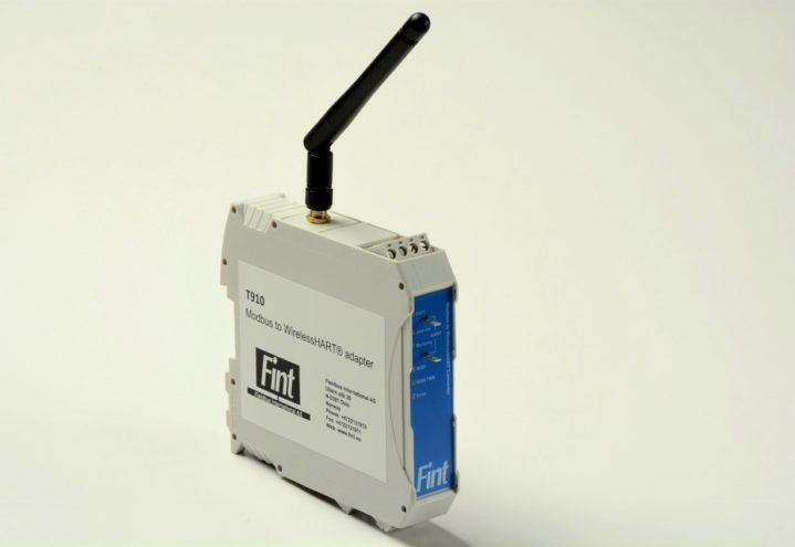 T910, The DIN rail mounted WirelessHART adapter with Modbus RTU interface